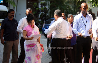 Wimal Weerawansa's wife Shashi questioned for five hours by FCID