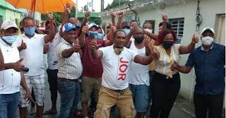 José Luís Marte juramenta al fuerte del PLD y comunitario Santos Linares y a sus seguidores en respaldo a Luís Abinader