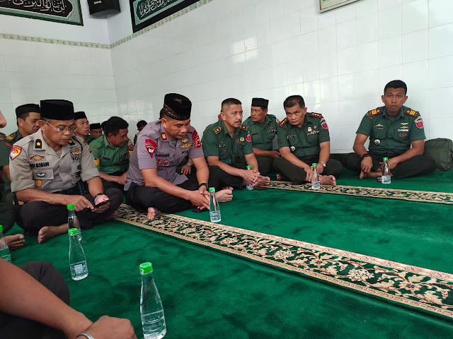 Dipelopori Wadanyon, Personel Brimob Bone Siang-siang Datangi Makorem 141/Tp