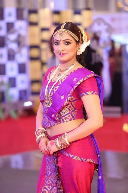 Actress Haripriya Alluring Body In Ethnic Getup At Mirchi Music Awards 2018
