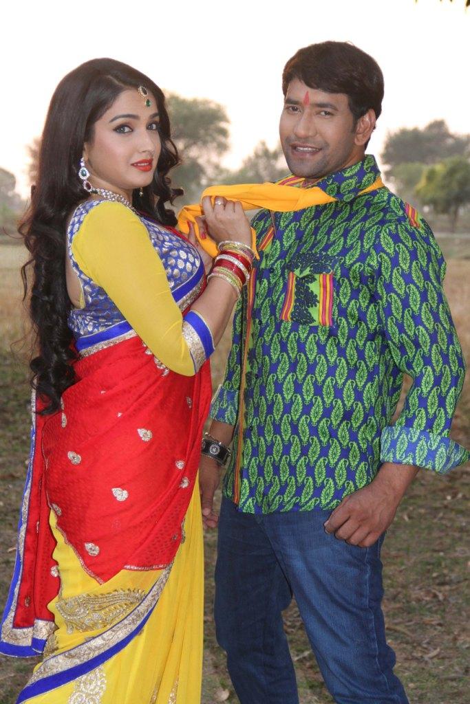 Hindustani Girl Wallpaper Bhojpuri Actress Amrapali Dubey Amp Actor Dinesh Lal Yadav