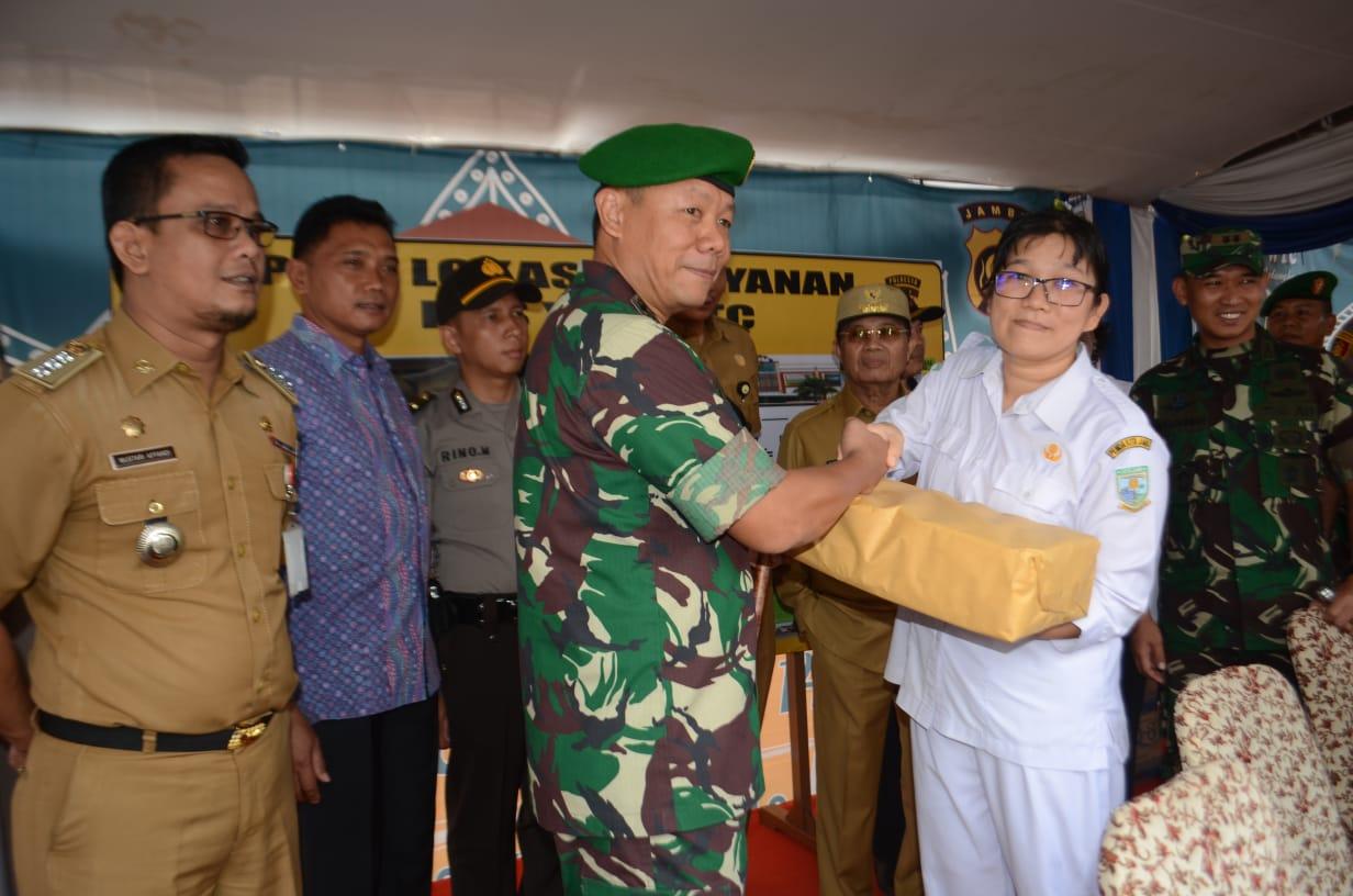 Danrem 042/Gapu Bersama Gubernur dan Kapolda Jambi Tinjau Pos Pengamanan
