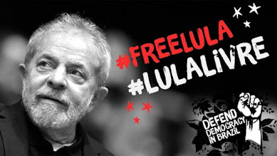 Lula com legenda Lula Livre