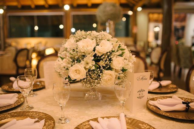 casamento real, rafaela e lucas, buffet, sousplat, porta guardanapo, decoração verde e branco