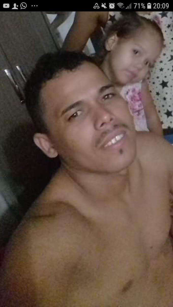 CRATEÚS: JOVEM BALEADO NO ASSALTO EM POSTO DE COMBUSTÍVEL, FEZ CIRURGIA E ESTÁ SE RECUPERANDO BEM