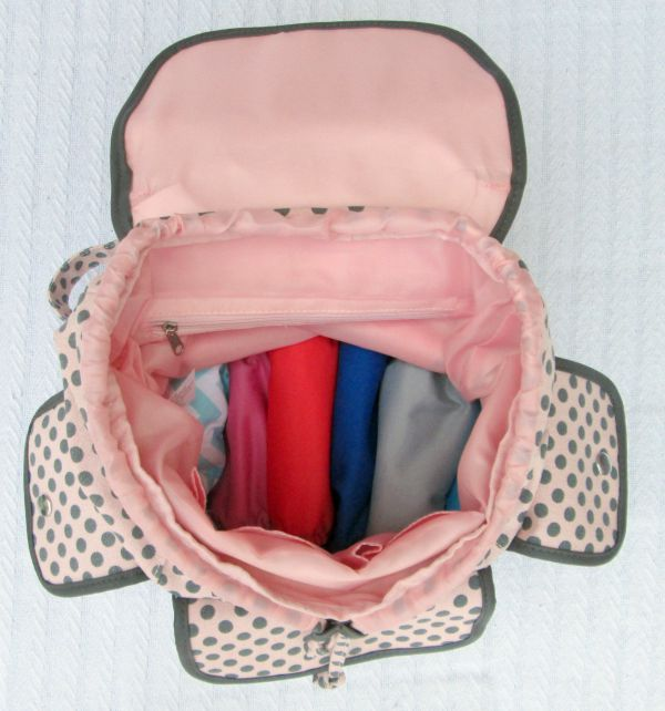 How to pack the perfect daycare bag for the baby or infant of a working mom using cloth diapers