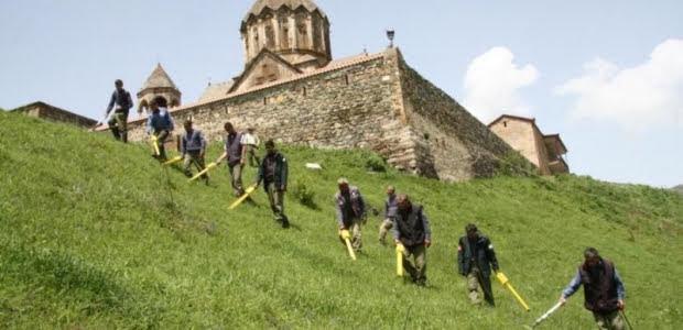 Por mina anti-tanque mueren tres civiles en Nagorno-Karabakh