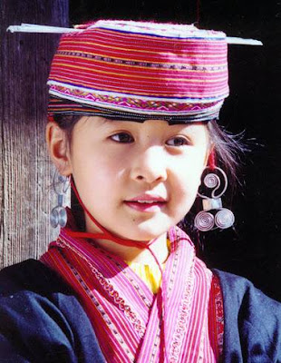 Red Yao girl in Sapa
