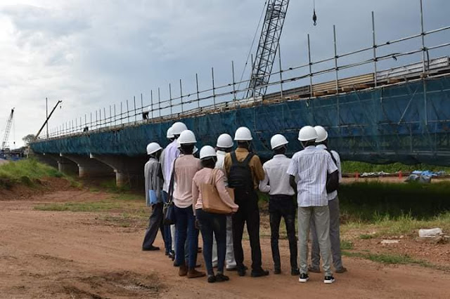 Engineering students taking lecture at Freedom Bridge in 2016