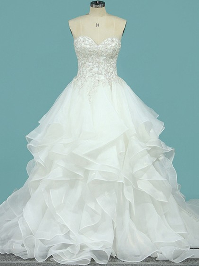 http://uk.millybridal.org/product/organza-sweetheart-ball-gown-court-train-appliques-lace-wedding-dresses-ukm00023098-21795.html?utm_source=minipost&utm_medium=2597&utm_campaign=blog