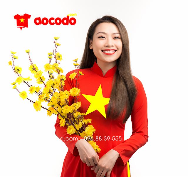 Áo dài cờ đỏ sao vàng đi sinh nhật