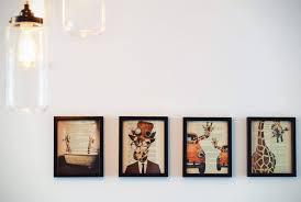 Ide Kreatif Mengisi Dinding Kosong. The Zhemwel