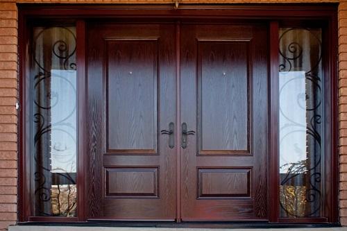 Pintu kayu dua daun double swing