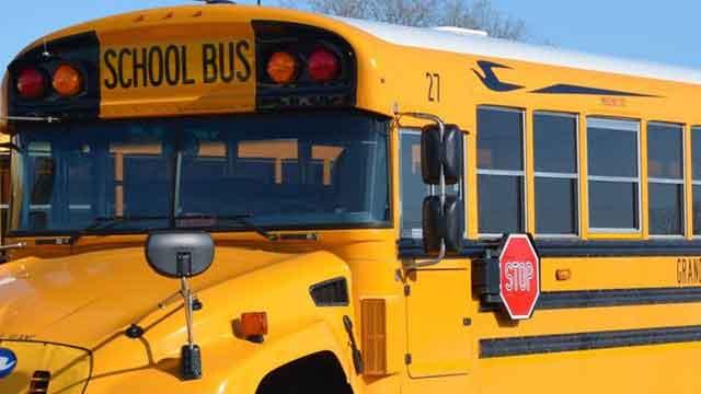 school bus ke yellow colour ka kya reason hai
