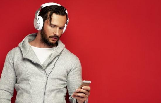 Cara Memilih Headphone Nirkabel