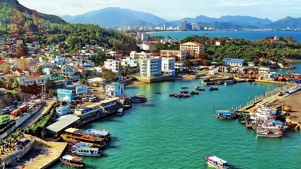 cảng du lịch Cầu Đá