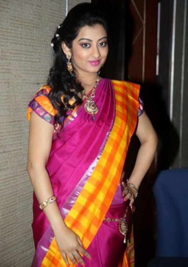 Tollywood Hot Actress Tejaswini Prakash Hip Navel Photos In Designer Pink Saree