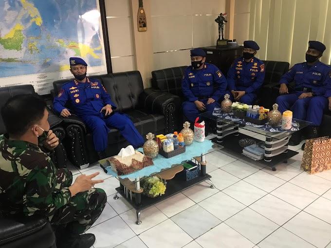 Kapolsek Walantaka Akp Kasmuri Melaksanakan Upacara Bendera Di Smkn 3 Kota Serang