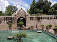 Taman sari Yogyakarta Istana air di lingkungan Keraton