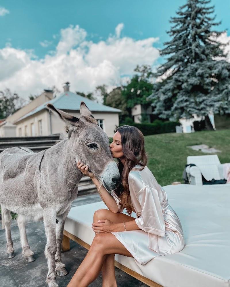 Nikol Svantnerova Instagram Clicks 19 Aug -2020