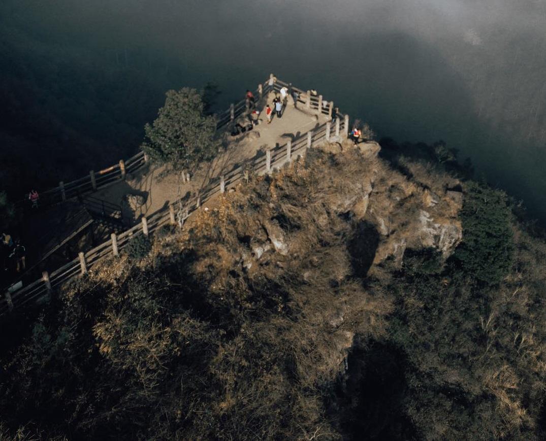 Harga Tiket Masuk dan Lokasi Tebing Keraton Bandung