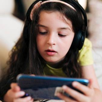Side Effects of Active Phone Use On Kids