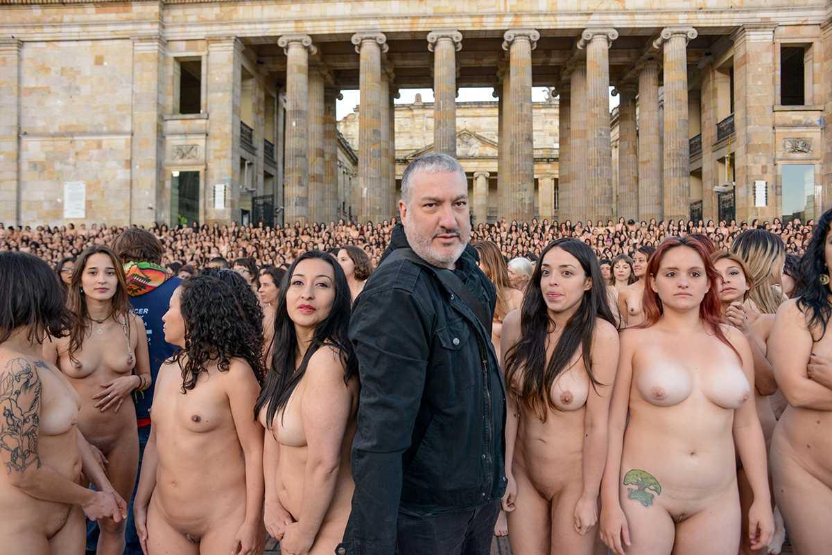 видео порно клуб для голых людей фото теплой водой рекомендовано