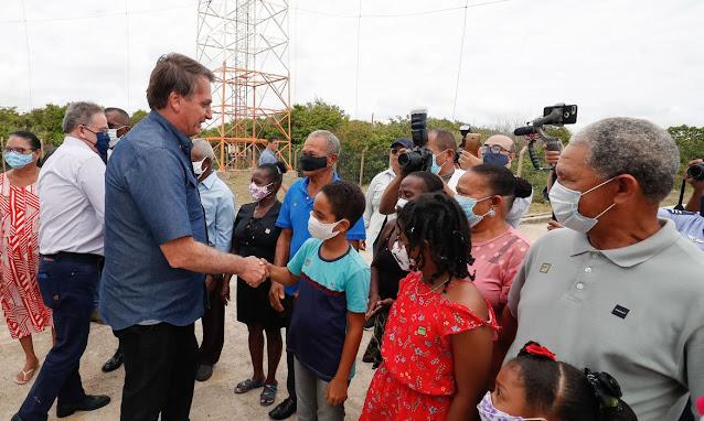 Bolsonaro: novo auxílio pode começar em março e durar até quatro meses