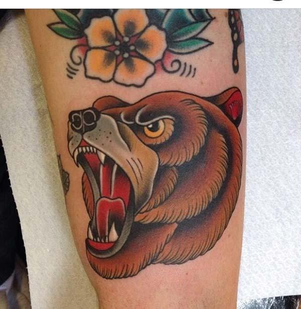 kahverengi ayı dövmesi
