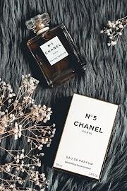 Double take pentru Chanel N°5 (parfumuri remake)
