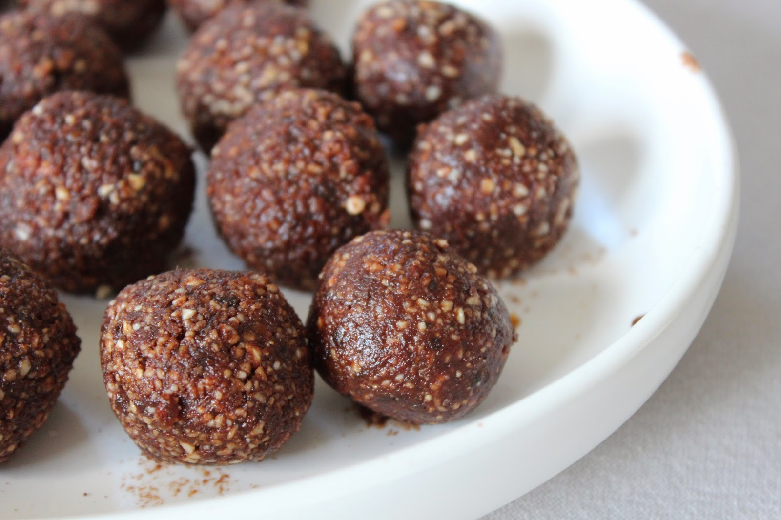cacao chocolate bliss balls