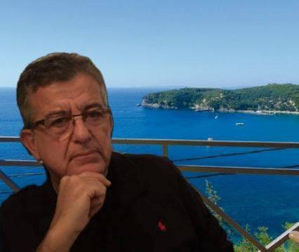 Ο κ. Παππάς είναι Πρόεδρος της Ένωσης Ξενοδόχων Πάργας. Πιο συγκεκριμένα ο κ. Παππάς με σπουδές στο Αριστοτέλειο Πανεπιστήμιο Θεσσαλονίκης (ΑΠΘ) και στο Πανεπιστήμιο του Ντε Σαλέντο του Λέτσε της Ιταλίας, είναι έμπειρος επιχειρηματίας στο τομέα Τουρισμού και δραστηριοποιείται εδώ και χρόνια με επιτυχία στην περιοχή της Πάργας. Έχει εμπλακεί με επιτυχία επίσης και με την Ένωση Ξενοδόχων Ηπείρου στην οποία έχει διατελέσει Πρόεδρος.
