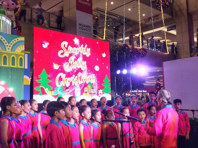 Quezon City Performing Arts singing