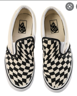 sepatu vans slip on dengan motif checkerboard
