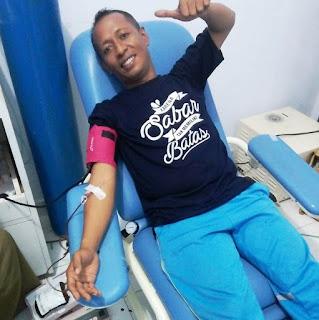 Melakukan Donor Darah