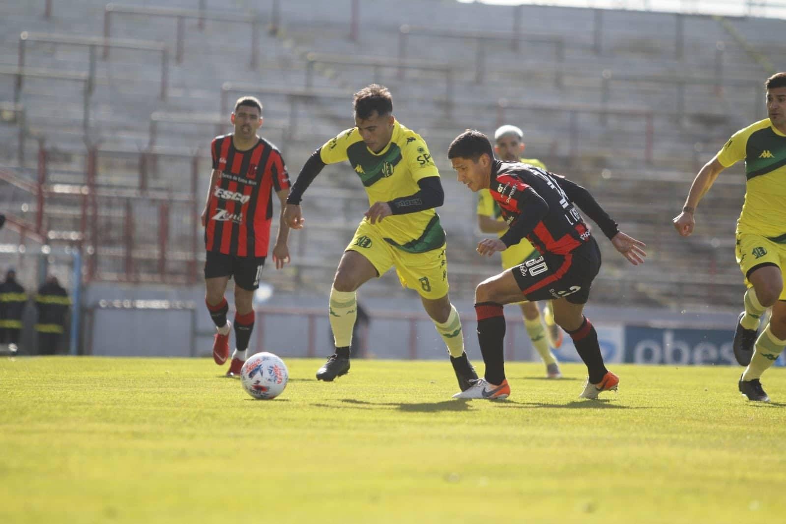 Patronato derrotó a Aldosivi en Mar del Plata en el inicio de la Liga Profesional