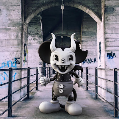"Michael ""Murder"" Mouse Vinyl Figure by Junk Yard x Mighty Jaxx"