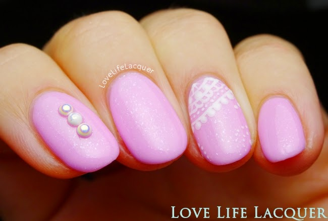 Couture gel nail polish pillow talk nail art @lovelifelacquer