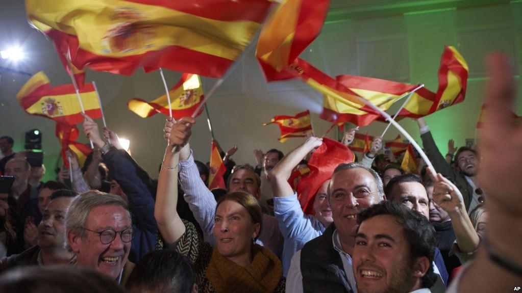 VOX es un partido que  se opone a la migración descontrolada en Europa / AP
