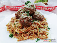 Charlie's Grind and Grill, meatballs on pasta