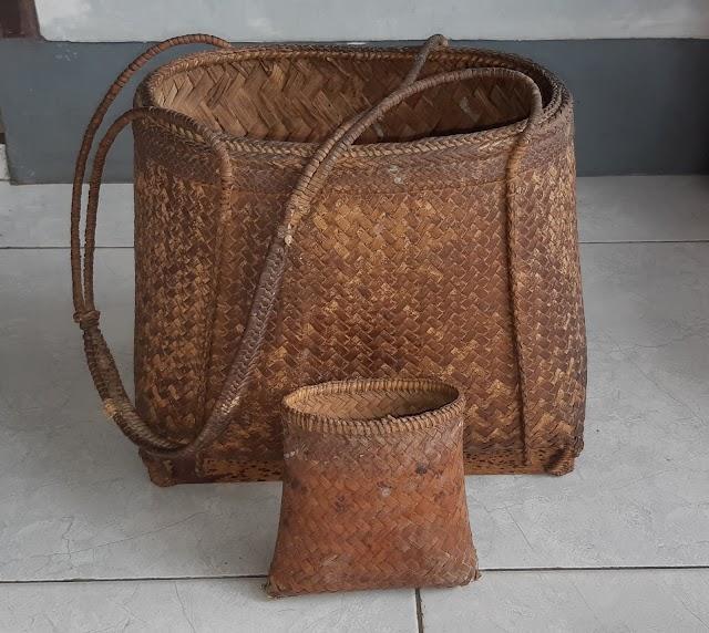 Tas kuno khas Sasak Lombok