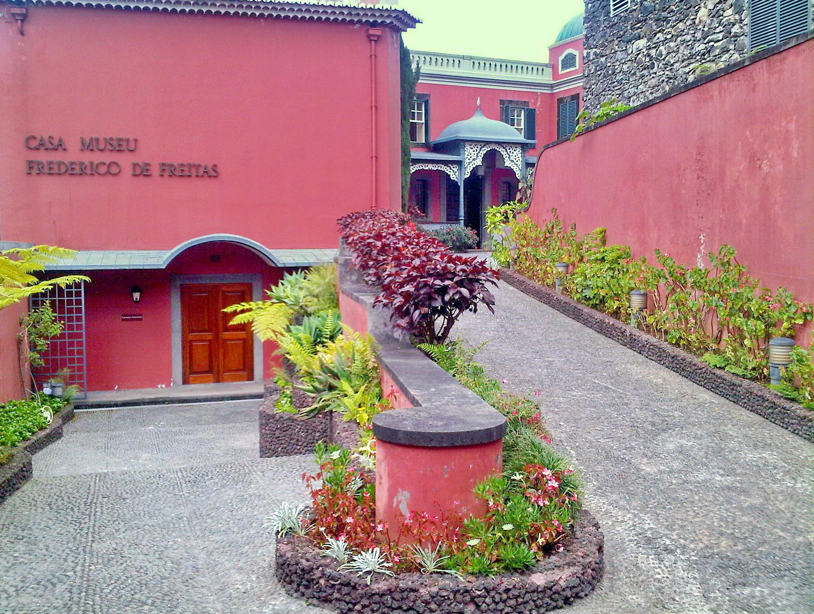 a museum to see many wonderful collections