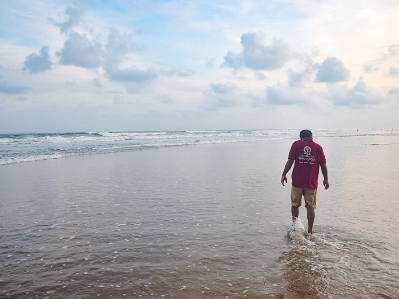 When you feel down, then revitalize yourself with #vitaminsea #seabeach #india