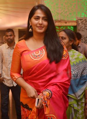 Anushka Shetty Beautiful Saree Stills, Sexy Anushka Heroine Hot 7