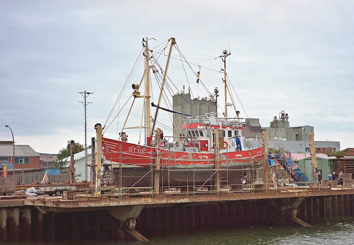 Im Büsumer Hafen (9)