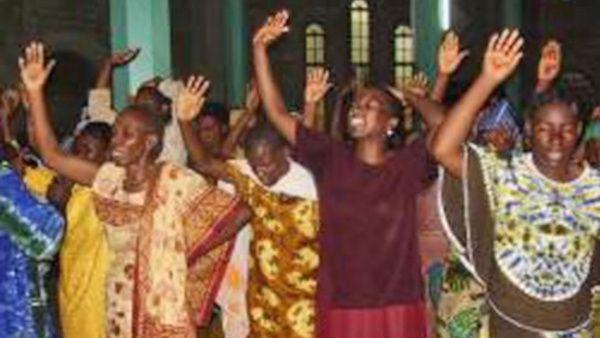 Fallecen 20 personas por estampida humana en Tanzania