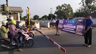 KAI Daop 3 Cirebon Sosialisasi Waspada Di Perlintasan Sebidang