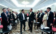 Duterte went tieless busines casual look at the ASEAN Summit, stood out among ASEAN leaders