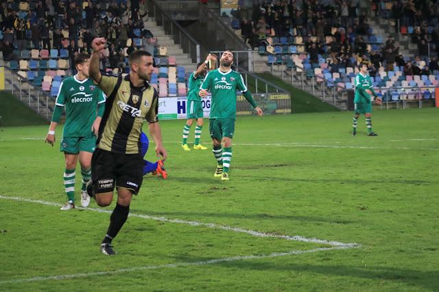 Fútbol | El Barakaldo de Movilla busca encadenar tres victorias por primera vez en la temporada