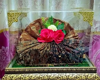 Seserahan Pernikahan Kain Batik